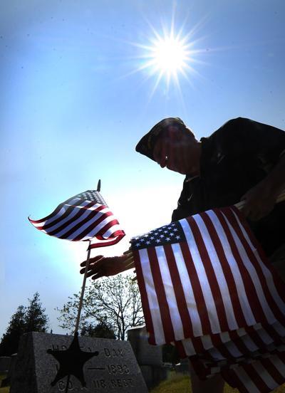 Flags for veterans' graves