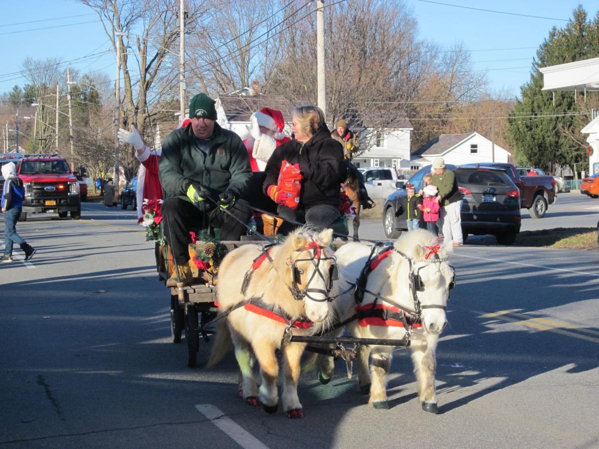 Salem holiday parade