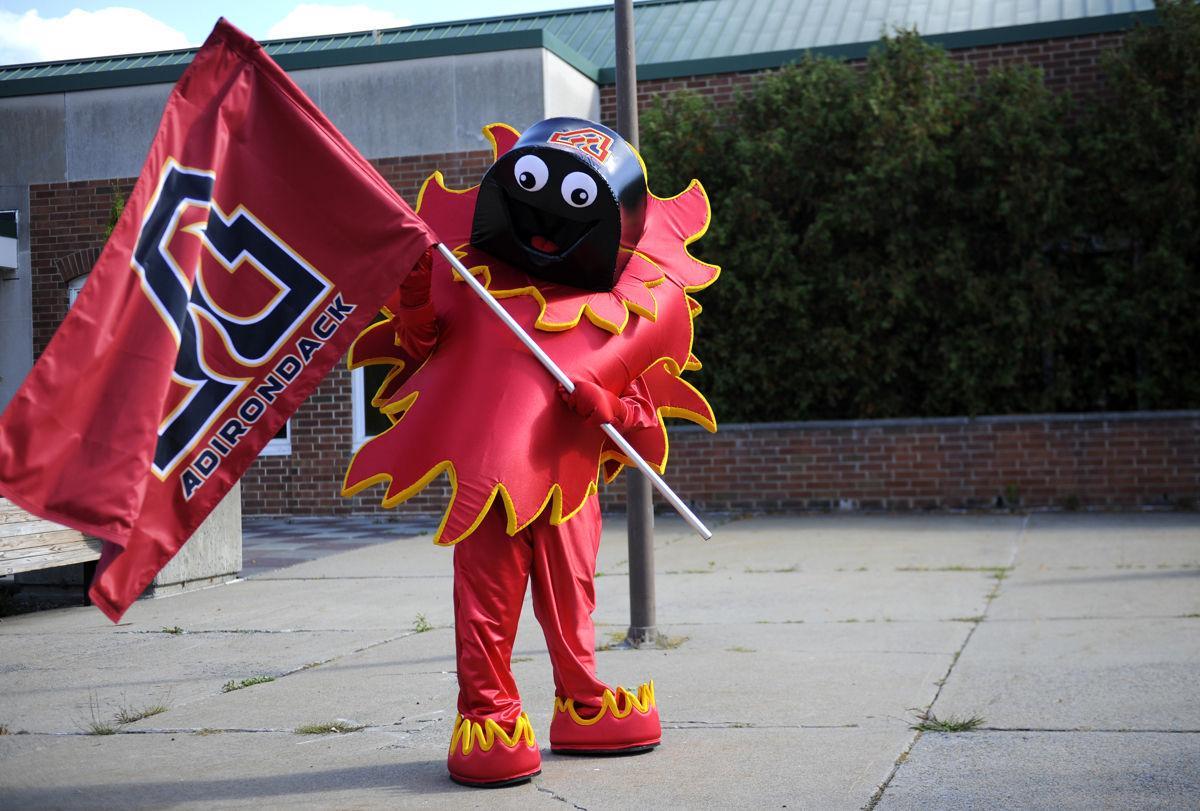Mascot MF 02.JPG