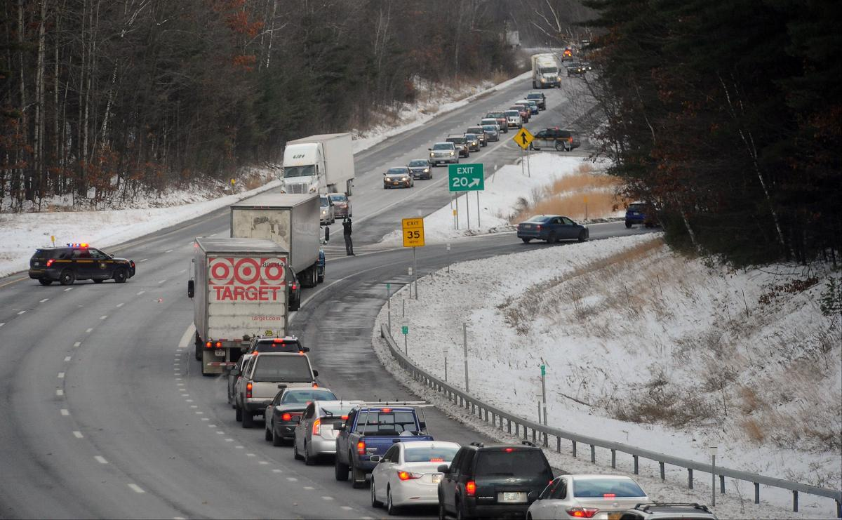All lanes reopen following Northway crash between exits 20 and 21