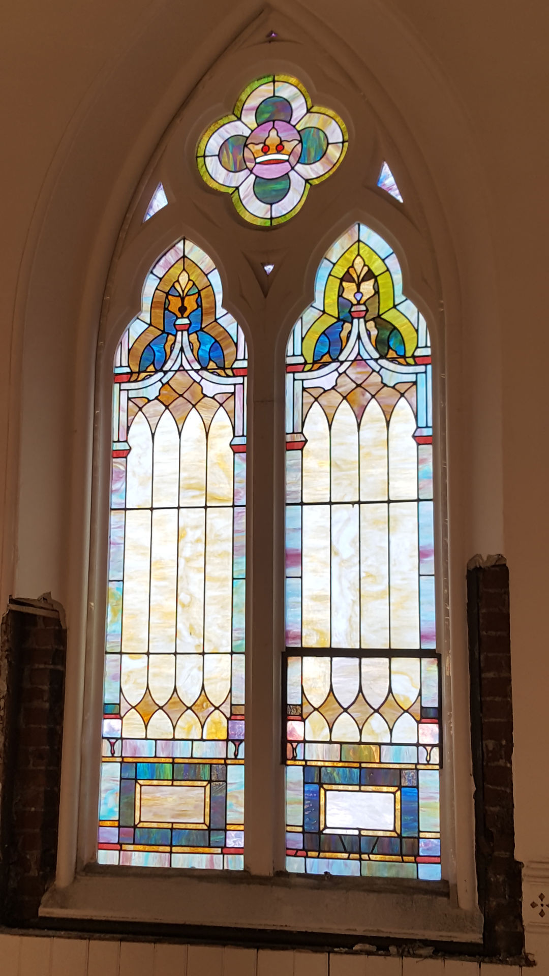 Citizen steps up to save church windows
