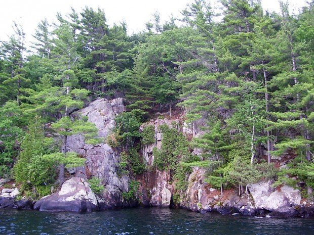 Lake George cliffs offer thrills, pose dangers | Local