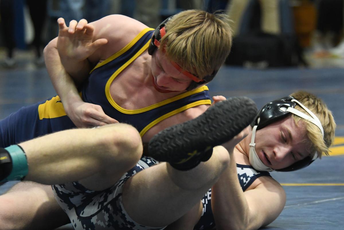 Small-school dual meet wrestling qualifier
