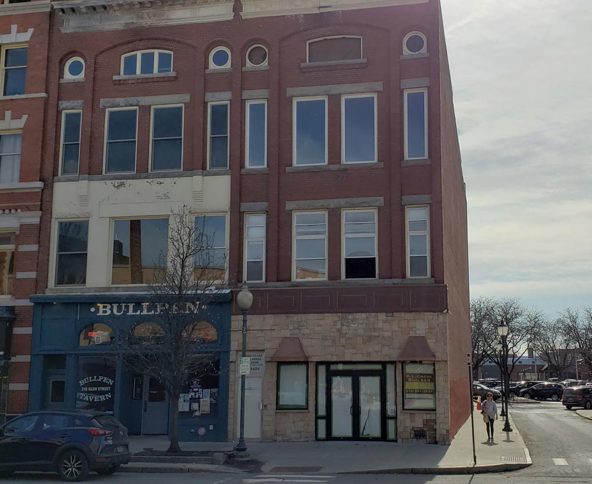 Old Achenbach's Jewelers building getting facelift