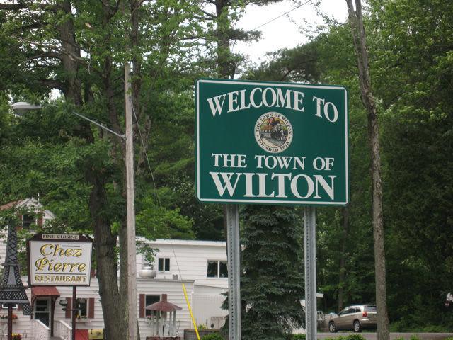 Wilton sign