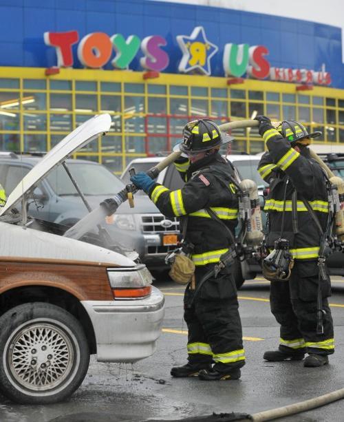 Toys R Us Car Fire Poststar Com