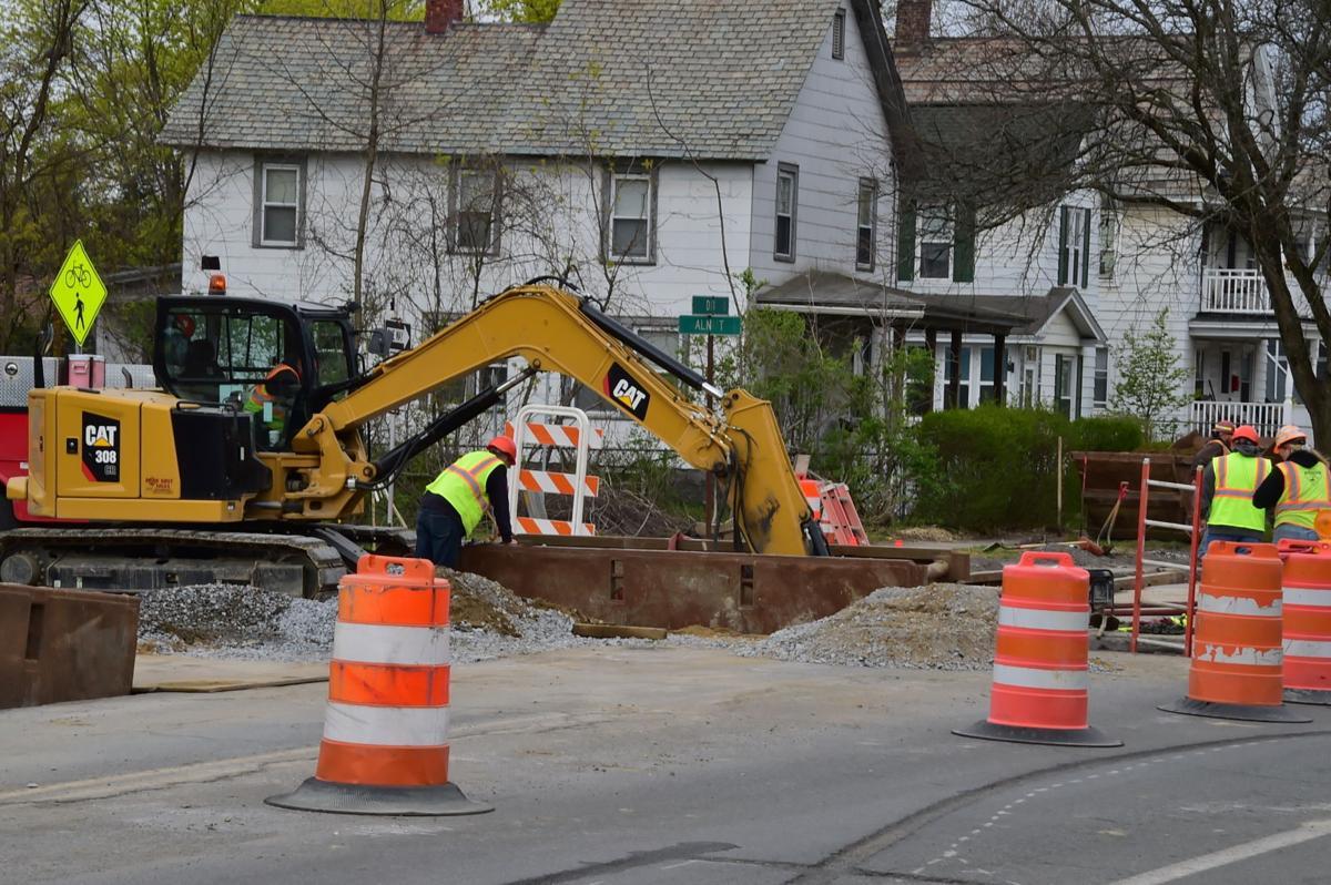 Dix Avenue construction