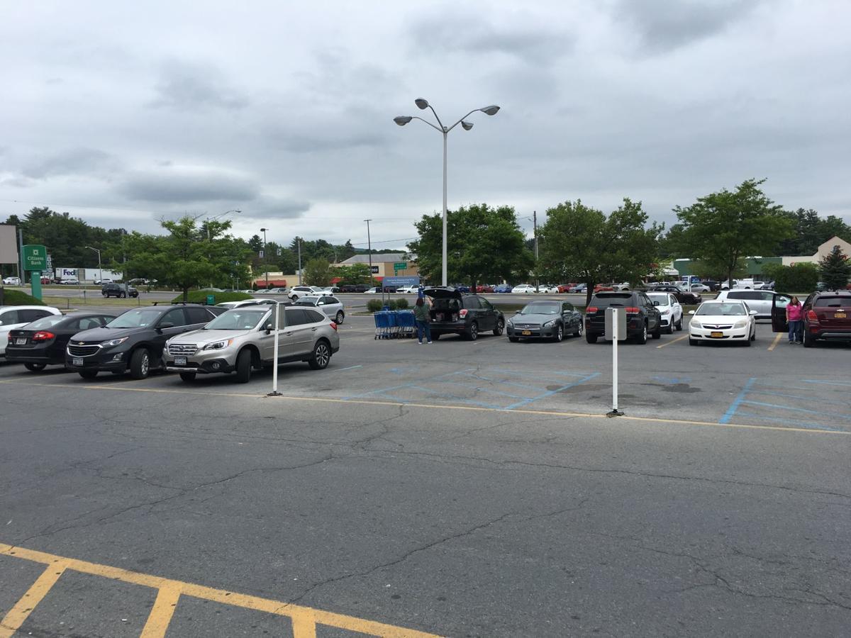 Finally, a full(ish) parking lot at Toys R Us