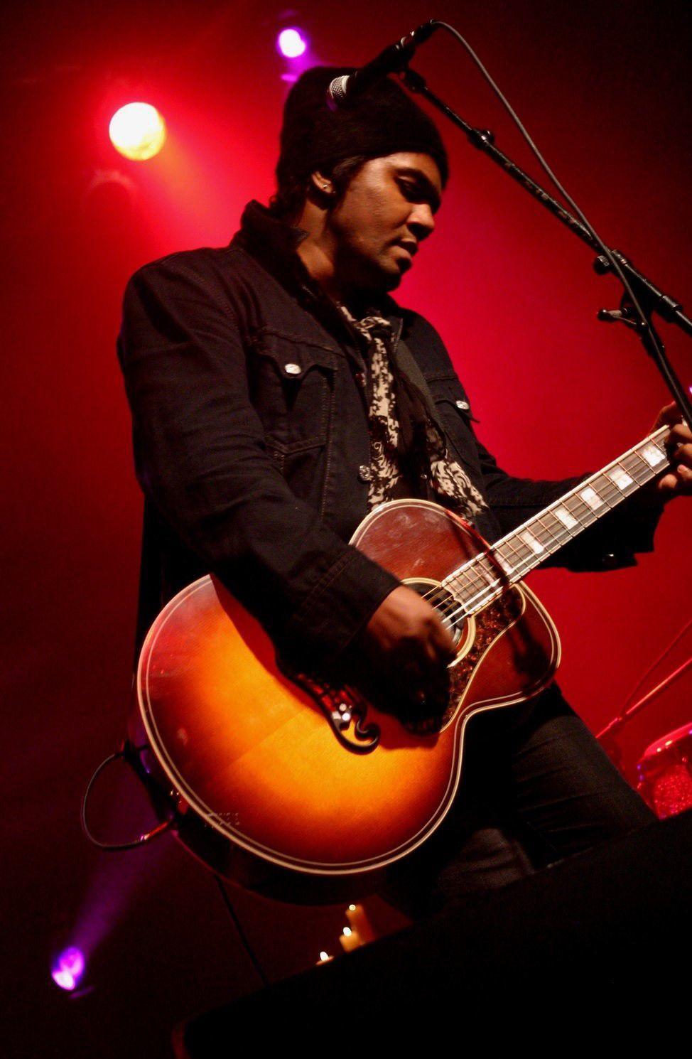 Singer/songwriter Jeffrey Gaines