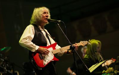 guitarist albert lee to perform at hudson falls 39 strand theater local. Black Bedroom Furniture Sets. Home Design Ideas