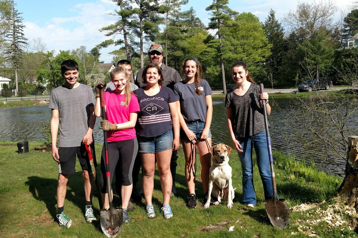 Students contribute to park beautification