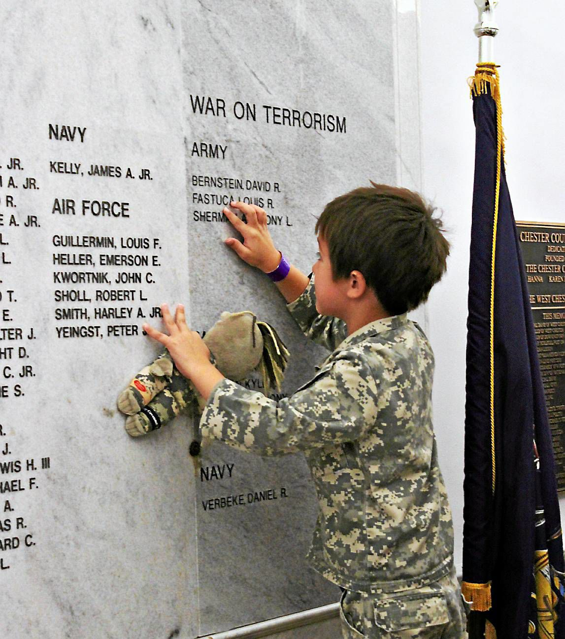 Program makes sure boy remembers his father lost in war