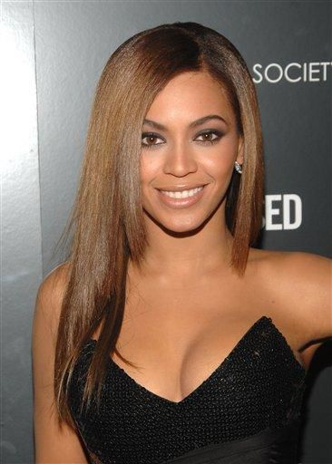 Fans fixate on Beyonce as 'Obsessed' takes in $28M