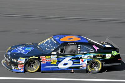 NASCAR: Stenhouse steals Nationwide race at Kansas