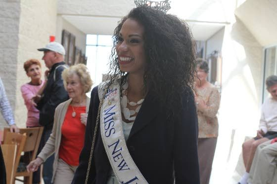 Miss New Jersey returns to Ocean CIty for portrait unveiling