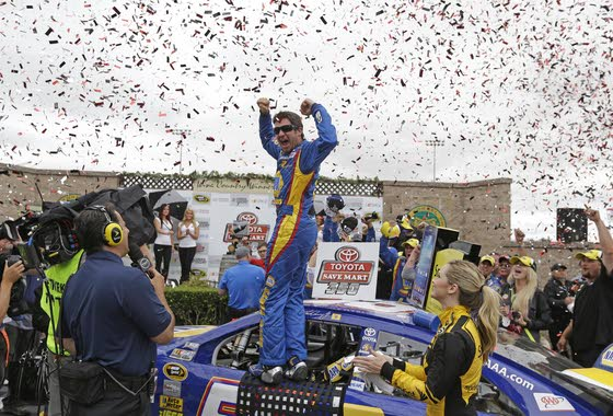 Martin Truex Jr. finally returns to victory lane
