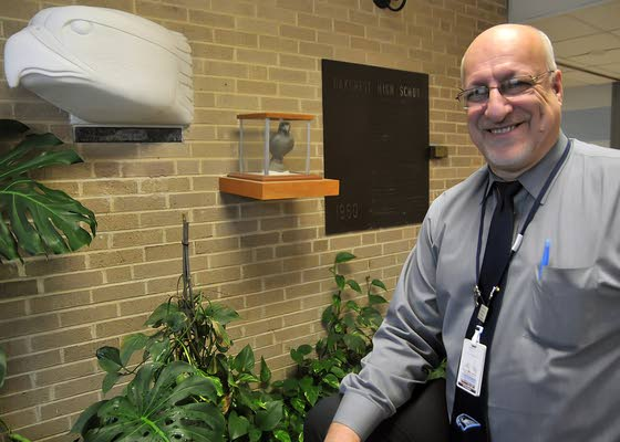 Oakcrest Principal Mongelluzzo to retire after 31 years at school
