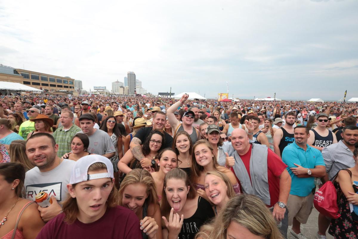 Gallery zac brown band beach concert in atlantic city beach zac brown band m4hsunfo