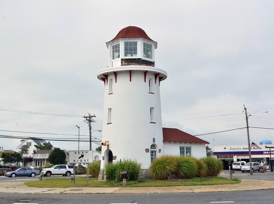 Brigantine volunteers restoring lighthouse
