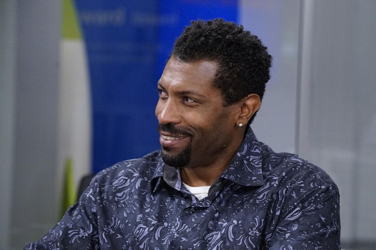 'Black-ish' star Deon Cole has a lot of irons in the comedy fire