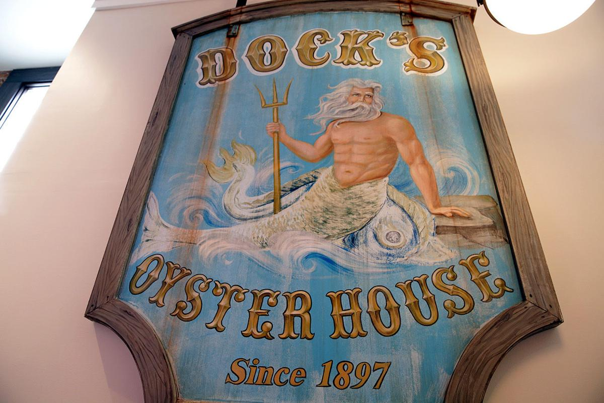 ATS/dining/Dock's Oyster House
