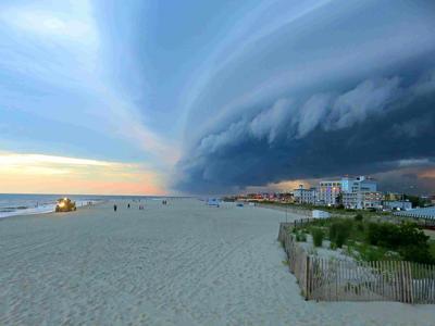 Sunset Beach Shelf Cloud June 2017 (5)