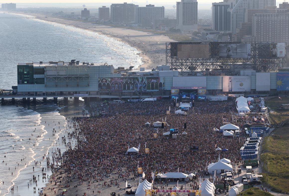Maroon 5 Beach Concert