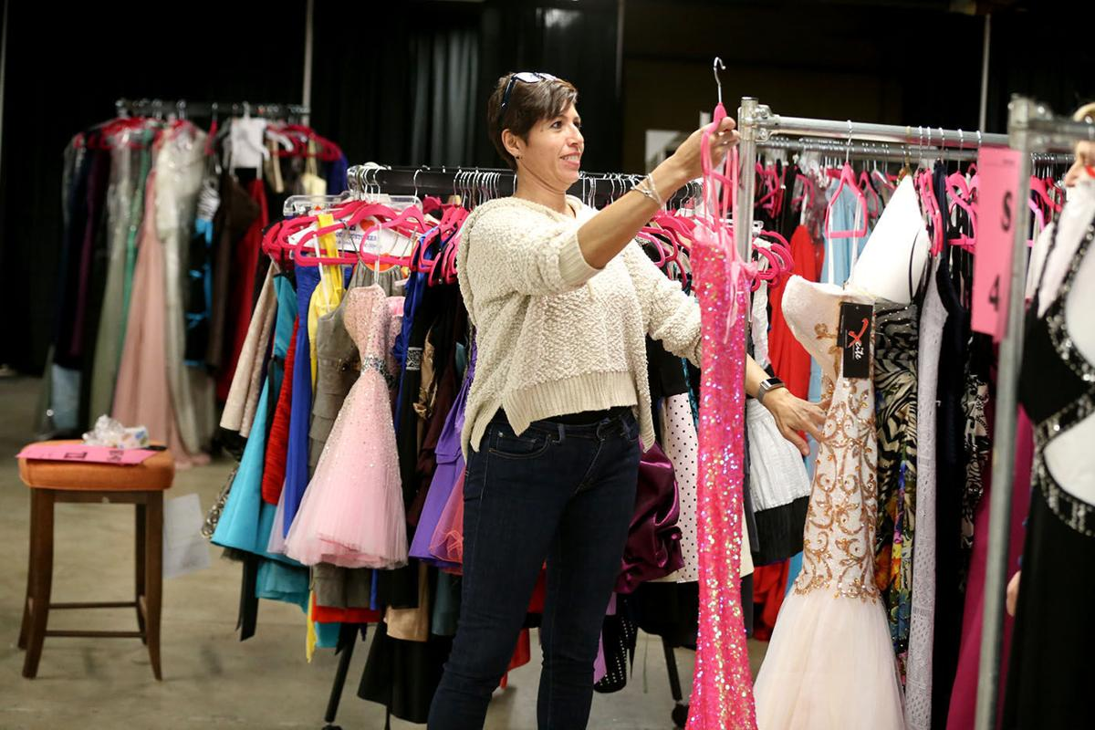1,300 free prom dresses for a good cause in South Jersey | News ...