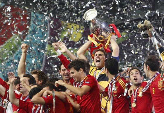 Spain overwhelms Italy to erase any doubts