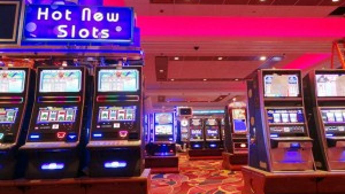 Aqueduct casino slots casino near treasure island fl