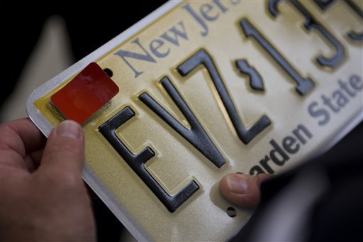 Teen drivers can begin buying red license plate decals today required under kyleighs law