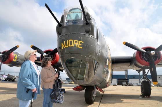 WWII vets share air war memories