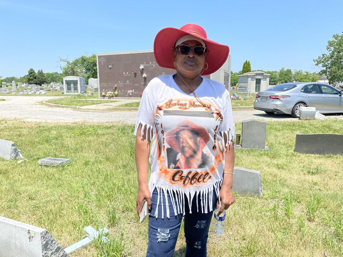 State Burner's Motorcycle Club celebrates 75 anniversary at founder's grave