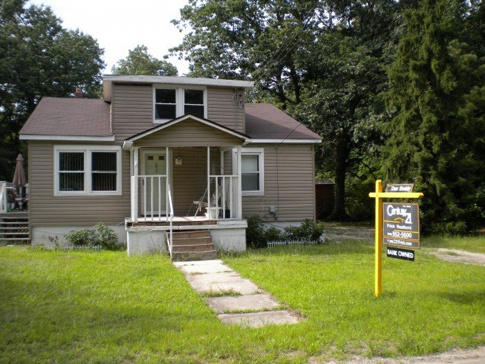 foreclose Mays Landing
