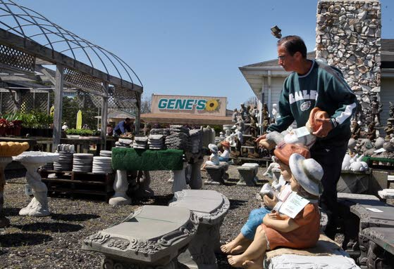 Garden business, in 62nd year, not resting on laurels
