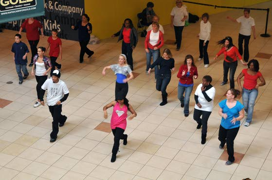 Linwood zumba instructor brings dance flash mob to Hamilton Mall