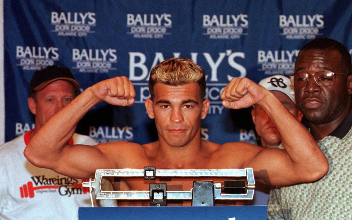 2. Arturo Gatti-Ivan Robinson I (Aug. 22, 1998, Boardwalk Hall's Adrian Phillips Ballroom)