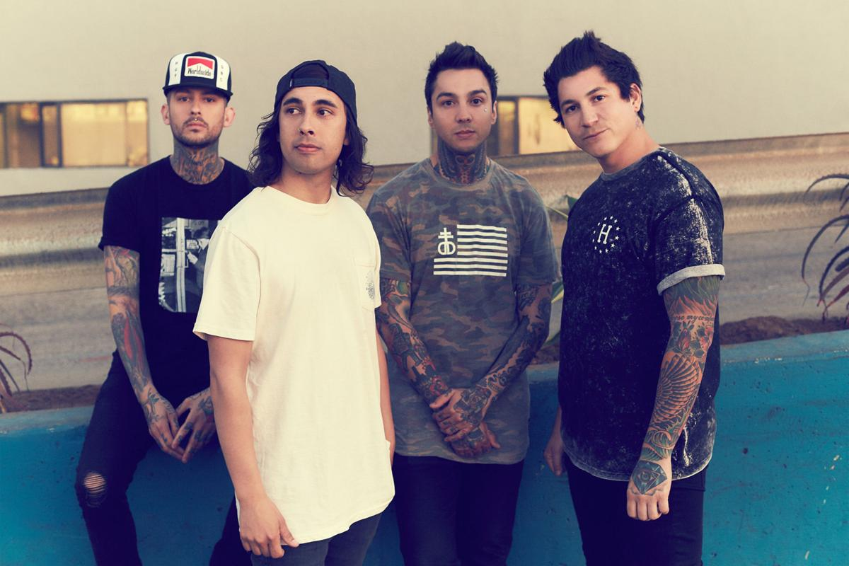 Rock band pierce the veil is entering the mainstream with pierce the veil 2016 m4hsunfo