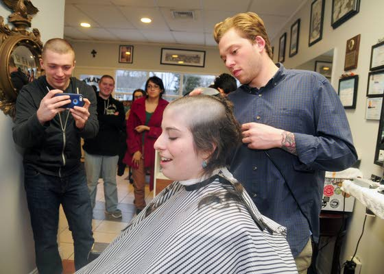 Julie Park gives up hair to make wig for cancer patients
