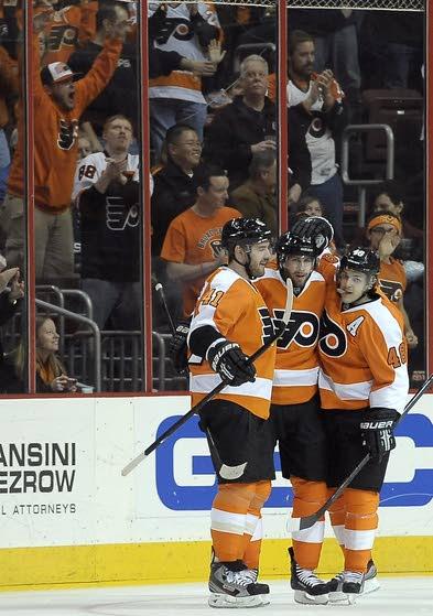Brayden Schenn's big play saves Flyers