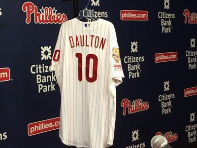 933b73d43a3e Phillies remember Darren Daulton