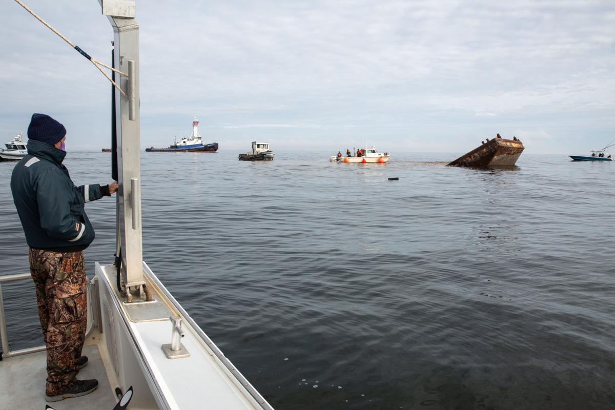 012821_reg_stockboatsink Boats sink watch