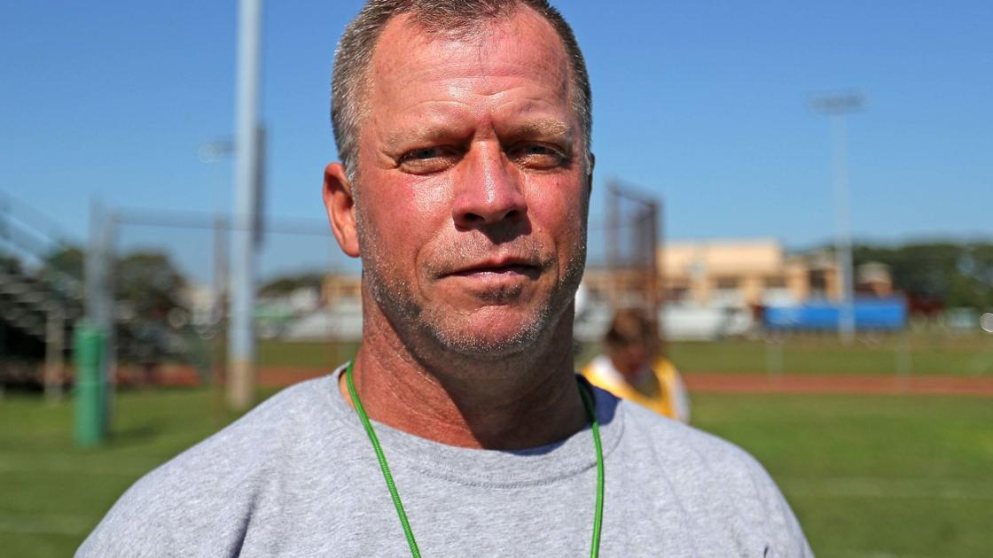 Football is family for Chuck Smith and his daughters: McGarry