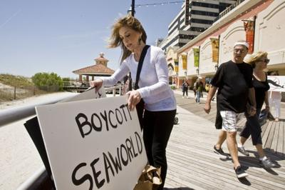 Atlantic City protesters join worldwide effort to free