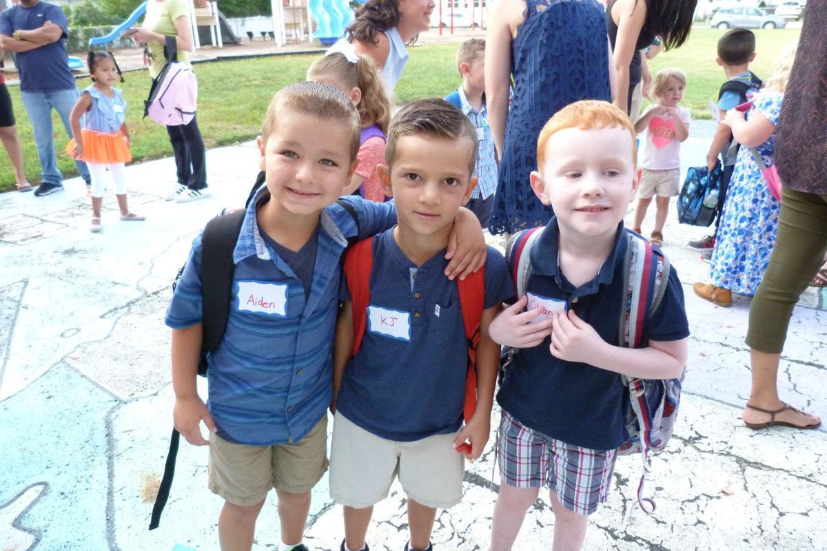 Dawes Avenue School first day (2)