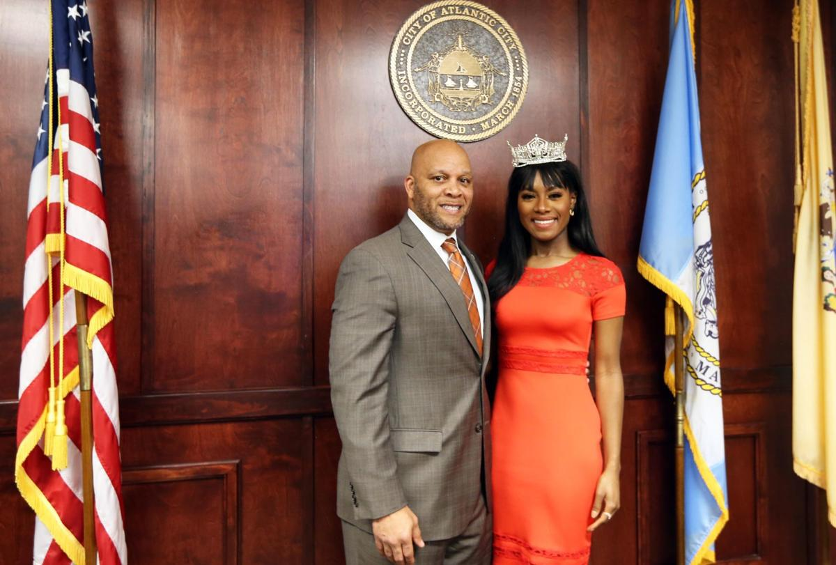 Miss America meets with police, mayor