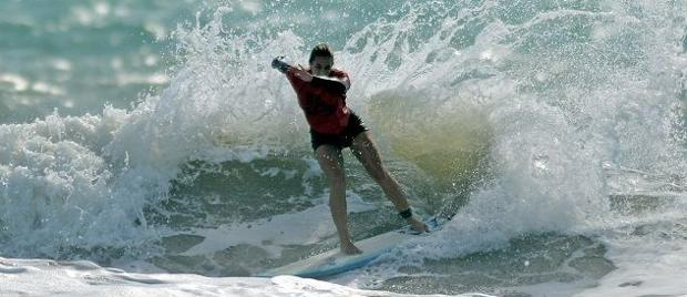 Wildwood Crest's Maddie Peterson surfs to semifinals at pro tourney