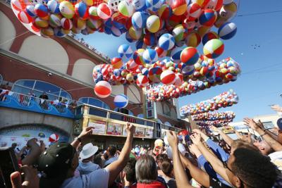 Resorts Beach Ball Drop