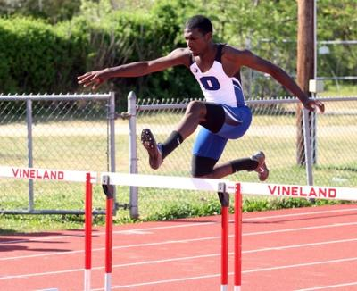 Boys track and field: No  1 Oakcrest sprints past No  2 Egg