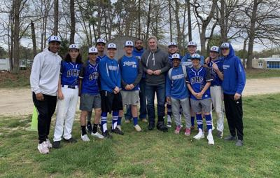 Pederson visits Oakcrest tournament